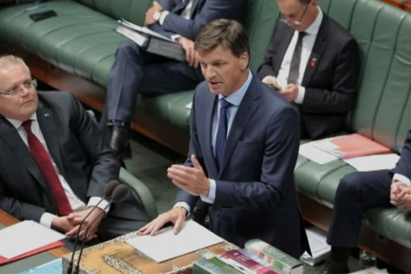 Coalition changes stance on renewable energy and is now relying on 50% target