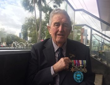 WWII veterans in aged care, like Cliffy Elliott, organised own Anzac service