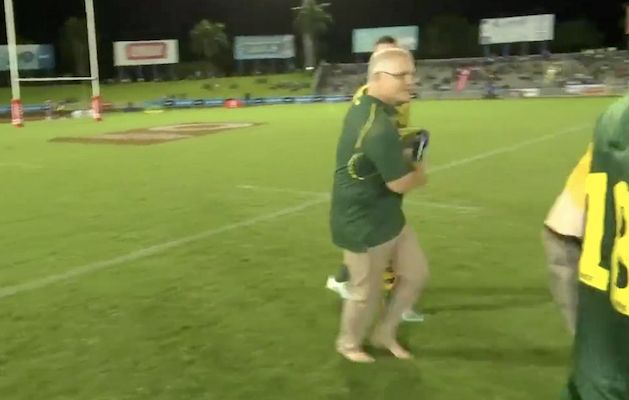 Scott Morrison attracts praise and criticism after Fiji water boy appearance