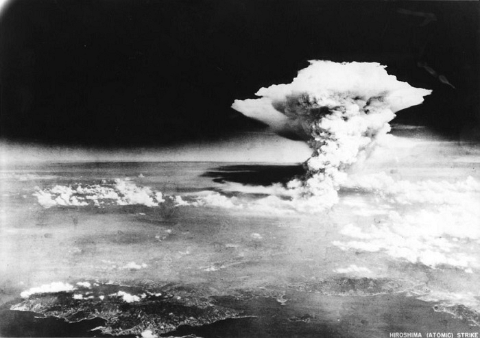 the heated debate of dropping the bomb over the cities of hiroshima and nagasaki