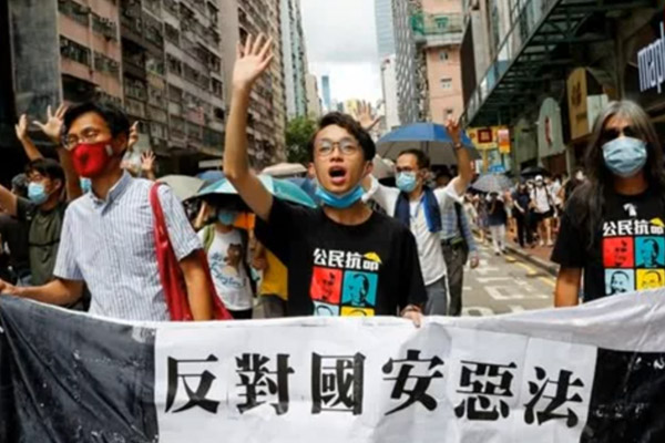 Government developing migration schemes to assist Hong Kong citizens